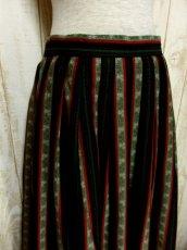 画像2: ストライプ×アンティークフラワー カラーリングもGood チロルスカート ドイツ民族衣装 舞台 演劇 演奏会 フォークダンス オクトーバーフェスト 【5698】 (2)