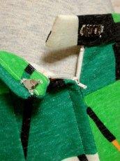 画像16: 70年代 グリーン ブラック ホワイト オレンジ 長袖 ポップ 昭和レトロ 国産古着 レトロセットアップ 【5737】 (16)