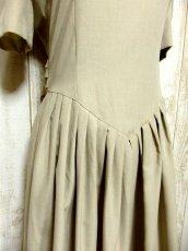画像8: 綺麗なシルエットでウエストキュッと!!スカートふんわり♪ バックウエストリボン結び!! 大人可愛いヴィンテージワンピース (8)