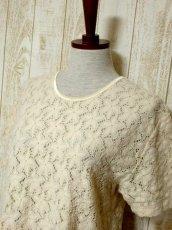 画像8: USA古着 透かし編みデザインが可愛い 明るめの生成りカラー シャツ ブラウス 大人ガーリー ヴィンテージトップス【5984】 (8)