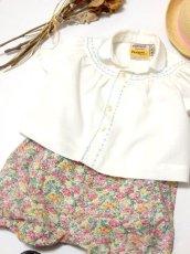 画像5: ☆ ヨーロッパ子供古着 vintageキッズブラウス モクモク&小花刺繡装飾♪ ふんわり上品パフスリーブ size70cm kids&baby ☆ (5)