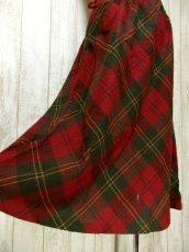 画像4: ☆ ヨーロッパ古着 可愛さと大人っぽさが漂う♪定番のチェック柄★レトロガーリースタイルなヴィンテージスカート ☆ (4)