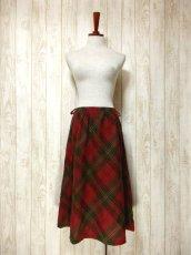 画像3: ☆ ヨーロッパ古着 可愛さと大人っぽさが漂う♪定番のチェック柄★レトロガーリースタイルなヴィンテージスカート ☆ (3)