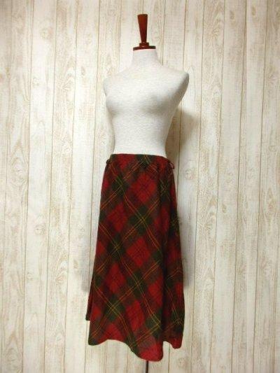 画像1: ☆ ヨーロッパ古着 可愛さと大人っぽさが漂う♪定番のチェック柄★レトロガーリースタイルなヴィンテージスカート ☆
