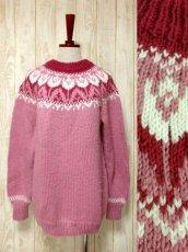 画像1: ☆ ヨーロッパ古着 暖か可愛い★LovelyなPink Color×チューリップ柄♪ざっくり着こなせるレトロガーリーなニットセーター ☆ (1)