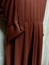 画像8: ドルマンライン ブラウン ウエストゴム レトロ 長袖 ヨーロッパ古着 ヴィンテージドレス 【6201】 (8)