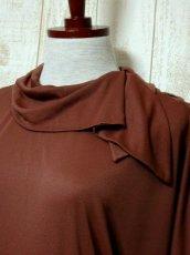 画像3: ドルマンライン ブラウン ウエストゴム レトロ 長袖 ヨーロッパ古着 ヴィンテージドレス 【6201】 (3)