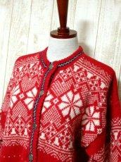 画像8: ☆ ヨーロッパ古着 Red×White★雪の結晶模様編み♪ 大人レトロフォークロアstyleにもおすすめ♪ ほっこり暖かニットカーディガン ☆ (8)