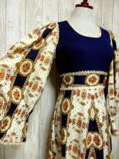 画像4: ヨーロッパ古着 レトロクラシカルな雰囲気たっぷり♪ヴィンテージならではの素晴らしいレトロフラワー柄パターンが360度広がる♪大人ヴィンテージドレス  衣装にもおすすめ (4)