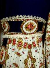 画像10: ヨーロッパ古着 レトロクラシカルな雰囲気たっぷり♪ヴィンテージならではの素晴らしいレトロフラワー柄パターンが360度広がる♪大人ヴィンテージドレス  衣装にもおすすめ (10)