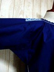 画像10: White×Blue Gradationのお花刺繍チロルテープが可愛い ヨーロッパ古着 レトロフォークロアなヴィンテージTOPS Navy【6245】 (10)