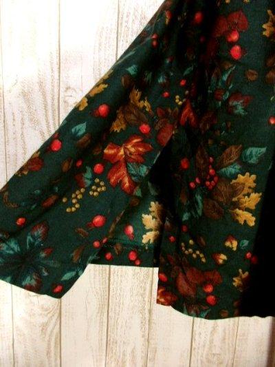 画像2: 木の実柄 木の葉柄 グリーン クラシカル ウエストゴム ディアンドル チロルスカート ドイツ民族衣装 舞台 演劇 演奏会 フォークダンス オクトーバーフェスト 【Y6273】