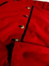 画像11: ハッと目を引くRed Collar ウッド調ボタン×ハートボタン装飾 シンプルながらもこだわりあり チロルスカート ドイツ民族衣装 舞台 演劇 演奏会 フォークダンス オクトーバーフェスト 【6275】 (11)