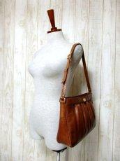 画像12: レザー ブラウン 色合いカタチが可愛い レディース レトロ ショルダー 鞄 バッグ【6279】 (12)