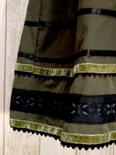 画像2: ☆ ヨーロッパ古着 FRANCE製★フォークロア刺繍テープ×ベロアリボンテープ装飾!!!大人クラシカルなヴィンテージスカート khaki ☆