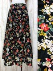 画像1: 花柄 ブラック ディアンドル チロルスカート ドイツ民族衣装 舞台 演劇 演奏会 フォークダンス オクトーバーフェスト 【Y6326】 (1)