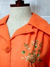 画像3: ワンポイントお花刺繍が素敵 Orange Collar レトロフォークロア ヨーロッパ古着 ヴィンテージ刺繍ブラウス【6372】 (3)