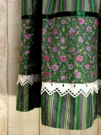画像2: ストライプ×フラワープリント テープ×レース装飾 Green×PurpleのカラーリングもGood チロルスカート ドイツ民族衣装 舞台 演劇 演奏会 フォークダンス オクトーバーフェスト 【6382】