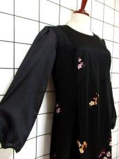 画像4: サイケ 幾何学柄 花柄 70's ブラック 衣装やパーティースタイルにも レトロ 長袖 ヨーロッパ古着 ヴィンテージドレス 【6450】 (4)