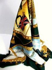 画像1: レトロアンティーク ヴィンテージスカーフ イギリス風景画×馬車柄【6458】 (1)
