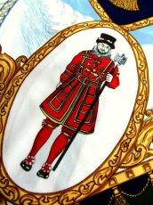 画像6: レトロアンティーク ヴィンテージスカーフ イギリス風景画×馬車柄【6458】 (6)