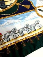 画像11: レトロアンティーク ヴィンテージスカーフ イギリス風景画×馬車柄【6458】 (11)