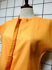 画像8: 刺繍装飾 内ボタンデザイン  レトロ 国産古着 半袖 シャツ ヴィンテージブラウス【6485】 (8)