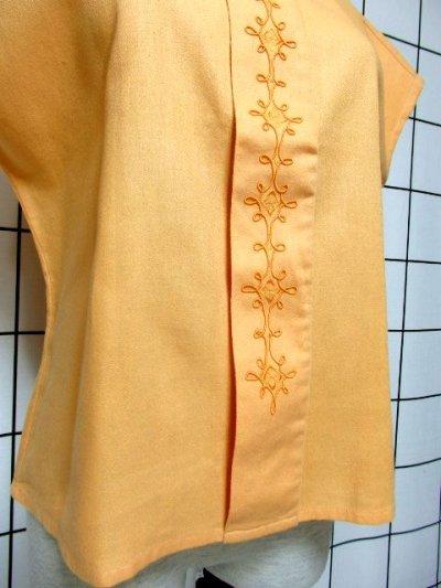画像2: 刺繍装飾 内ボタンデザイン  レトロ 国産古着 半袖 シャツ ヴィンテージブラウス【6485】