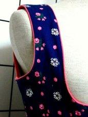 画像3: 花柄 ネイビー ピンク ホワイト ポップ フロントジッパー ノースリーブ ガーリー ディアンドル チロルワンピース ドイツ民族衣装 舞台 演奏会 フォークダンス オクトーバーフェスト 【6513】 (3)