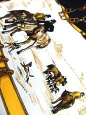 画像8: レトロアンティーク ヴィンテージスカーフ 馬車 人物 犬 チェーン 風景柄【6565】 (8)