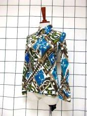 画像2: 幾何学模様 レトロモダン ヨーロッパ古着 長袖 シャツ ヴィンテージトップス 【6659】 (2)