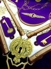 画像5: レトロアンティーク ヴィンテージスカーフ 鍵柄 チェーン パープル ネイビー【6684】 (5)