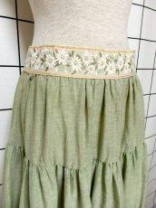 画像2: 花刺繍 グリーン リボンテープ コットン レトロ ヨーロッパ古着 ヴィンテージサーキュラースカート【6731】 (2)