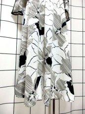 画像12: デンマーク製 アート柄 ドルマン モノトーン ウエストゴム レトロ ヨーロッパ古着 ヴィンテージワンピース【6782】 (12)