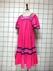 画像2: インド製 コットン ティーカップ刺繍 ピンク ふんわり 半袖 レトロ フォークロア ガーリー ヴィンテージドレス【6007】 (2)