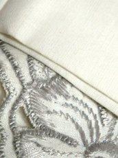 画像16: スペイン製 お花刺繍 カットワークデザイン ホワイト 白 前開き クラシカル レトロ ノースリーブ ヨーロッパ古着 ヴィンテージワンピース 【6028】 (16)