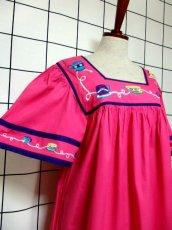 画像4: インド製 コットン ティーカップ刺繍 ピンク ふんわり 半袖 レトロ フォークロア ガーリー ヴィンテージドレス【6007】 (4)