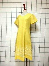 画像2: お花刺繍 レース装飾 フォークロア 半袖 レトロ ヨーロッパ古着 ヴィンテージドレス【5152】 (2)