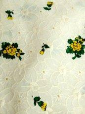 画像17: 刺繍 花柄 70年代 前開き オフホワイト ノースリーブ 昭和レトロ 国産古着 レトロシャツワンピース 【6863】 (17)