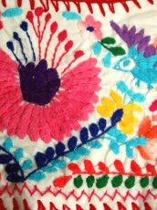 画像15: メキシカン花刺繍 鳥刺繍 ホワイト カラフルステッチ 半袖 フォークロア レトロ USA古着 ヴィンテージ刺繍ブラウス【6873】 (15)
