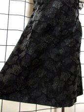 画像14: 花模様織り フリル装飾 ブラック 結婚式やパーティースタイルにも クラシカル 半袖 レトロ ガーリー ヨーロッパ古着 ヴィンテージドレス【5965】 (14)