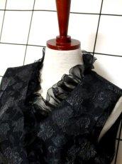 画像9: 花模様織り フリル装飾 ブラック 結婚式やパーティースタイルにも クラシカル 半袖 レトロ ガーリー ヨーロッパ古着 ヴィンテージドレス【5965】 (9)