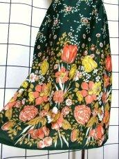 画像4: 花柄 ボタニカル柄 グリーン レトロ ヨーロッパ古着 ヴィンテージスカート【7045】 (4)
