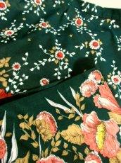 画像8: 花柄 ボタニカル柄 グリーン レトロ ヨーロッパ古着 ヴィンテージスカート【7045】 (8)