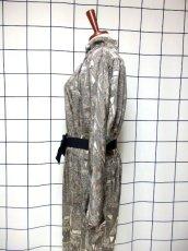 画像7: 幾何学模様織り 西ドイツ製 グレー ドルマンスリーブ ハイネック ウエストリボン 長袖 レトロ ヨーロッパ古着 ヴィンテージオールインワン【7047】 (7)
