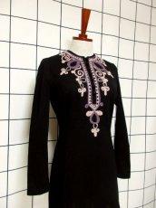 画像7: フォークロア 刺繍 ブラック 長袖 レトロ ヨーロッパ古着 ヴィンテージワンピース【7080】 (7)