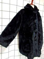 画像4: フェイクファー オーバーサイズ ブラック 黒 クラシカル 昭和レトロ 国産古着 ヴィンテージコート【5703】 (4)