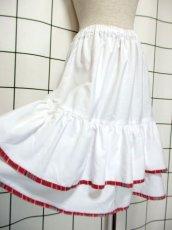 画像4: ホワイト 白 ティアード ストライプ チェック ットン ガーリー レトロ ヨーロッパ古着 ヴィンテージスカート【7195】 (4)