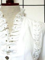 画像9: レース 刺繍 ホワイト フリル襟 パフスリーブ ディアンドル チロルブラウス ドイツ民族衣装 舞台 演奏会 フォークダンス オクトーバーフェスト【7258】 (9)