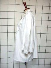 画像6: レース 刺繍 ホワイト フリル襟 パフスリーブ ディアンドル チロルブラウス ドイツ民族衣装 舞台 演奏会 フォークダンス オクトーバーフェスト【7258】 (6)